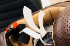 Helmhalterung-Detail-Helm-scaled